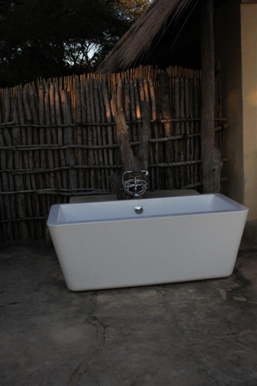 utomhus badkar