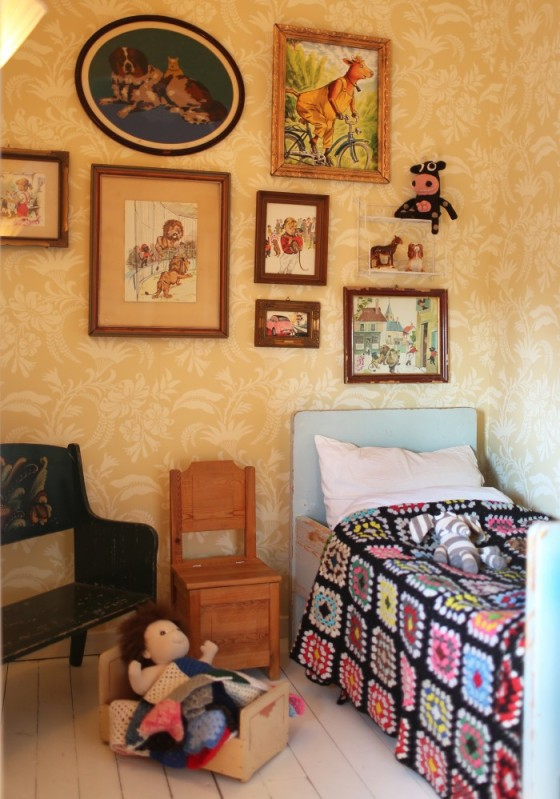 Vintage scandinavian kids room