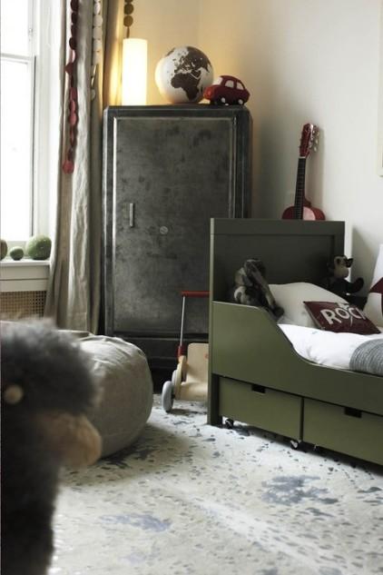 http://hemma-net.blogspot.se/2012/03/inspiration-barnrum-fran-mint-till.html