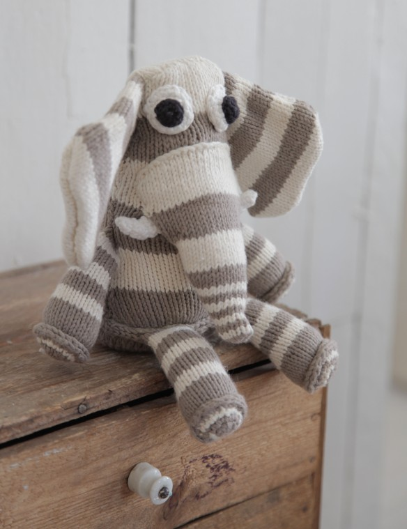 Knitted organic elephant